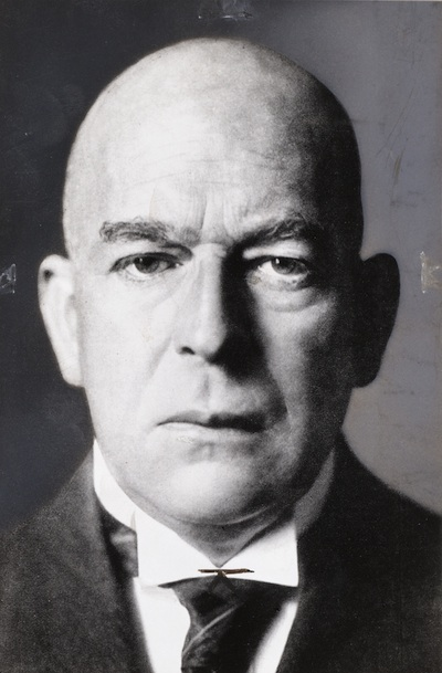 Oswald Spengler on Dr John Dunn.