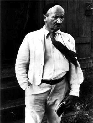 Martin Heidegger on Staff and Scrip, Dr John Dunn